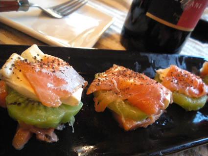 20121208 サーモンとクリームチーズのカルパッチョ.jpg