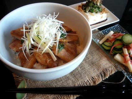 20130929 帯広豚丼定食.jpg